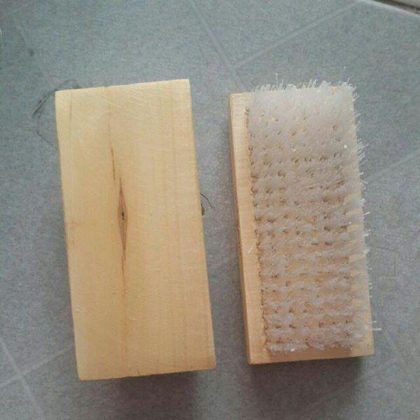 Bàn chải gỗ chà chân